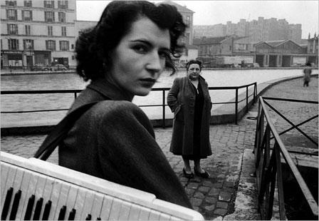 "Robert Doisneau, ""Le clavier"""