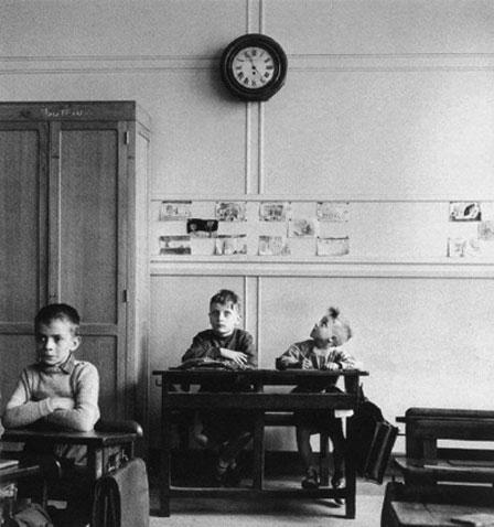 "Robert Doisneau, ""La pendule"""
